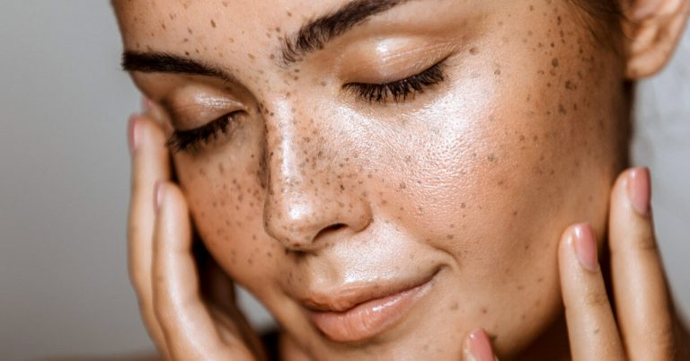 Benefits of using a facial cleanser